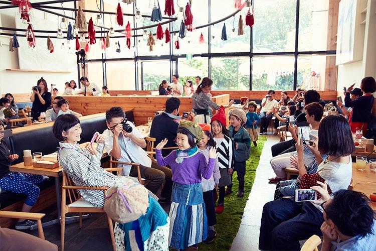 〈Wafflish Waffle〉と〈100本のスプーン〉による、おしゃれで美味しい夢のイベント『おいしいファッションショー』レポート