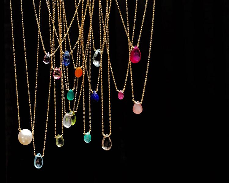 「カオル」の人気ネックレスをセミオーダーできるチャンス! 鮮やかな石の輝きを胸元に