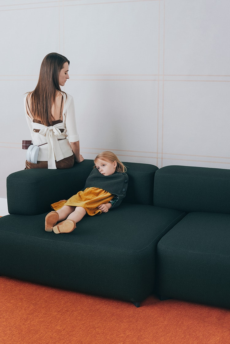 SAMPLE 11:</br>子どもとおとなの少しマニッシュなベロアスタイル。