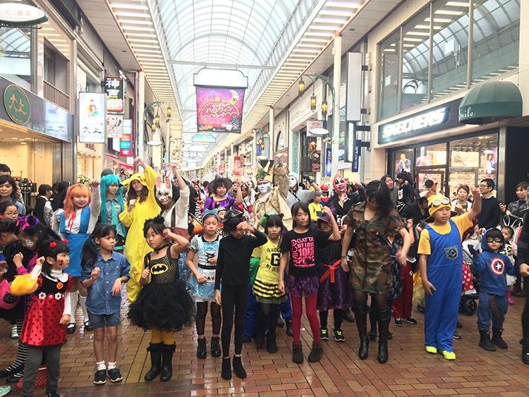 「2018ハロウィンフェスタ 元町1番街商店街×大丸神戸店」仮装パレードやフォトスポットラリーを開催