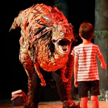 オーストラリア発!大人気の恐竜パペットショー「恐竜どうぶつ園」がこの夏全国25ヶ所で開催