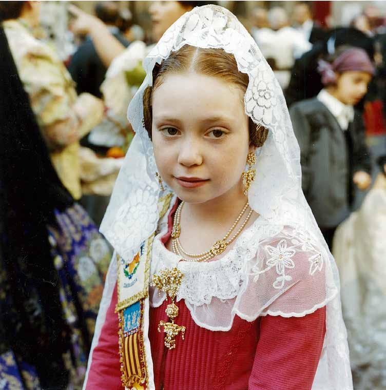 スペイン:カトリックの祭り「ピラール祭」で出会った子どもたち