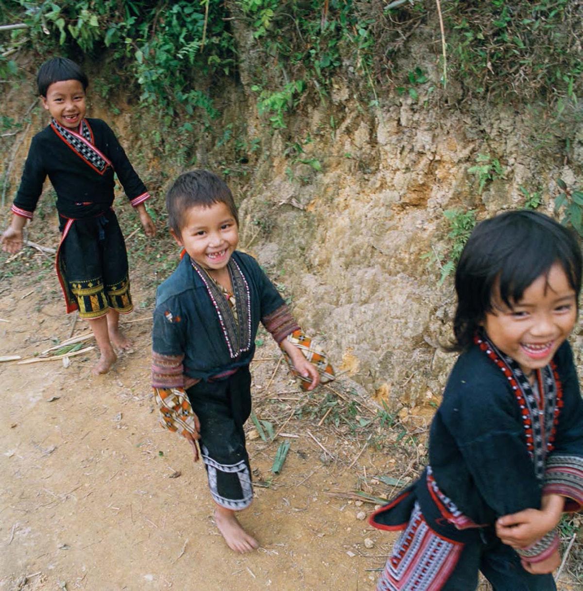ベトナム:少数民族が暮らす町、サパで出会った子どもたち