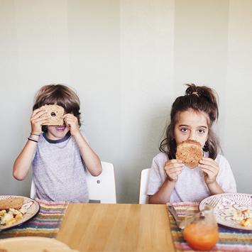 """食品ロス、好き嫌い。子どもと食の課題を解決したい! オイシックスが仕掛けた""""魔法の食卓"""""""