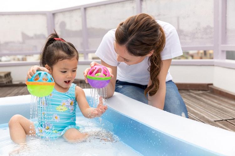 庭・ベランダ・プールで大活躍!遊び心を刺激する水遊びおもちゃ特集
