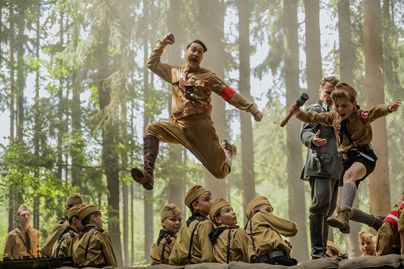 """映画『ジョジョ・ラビット』。今""""戦争""""について考える。失うもの、生まれるもの、つなぐもの"""