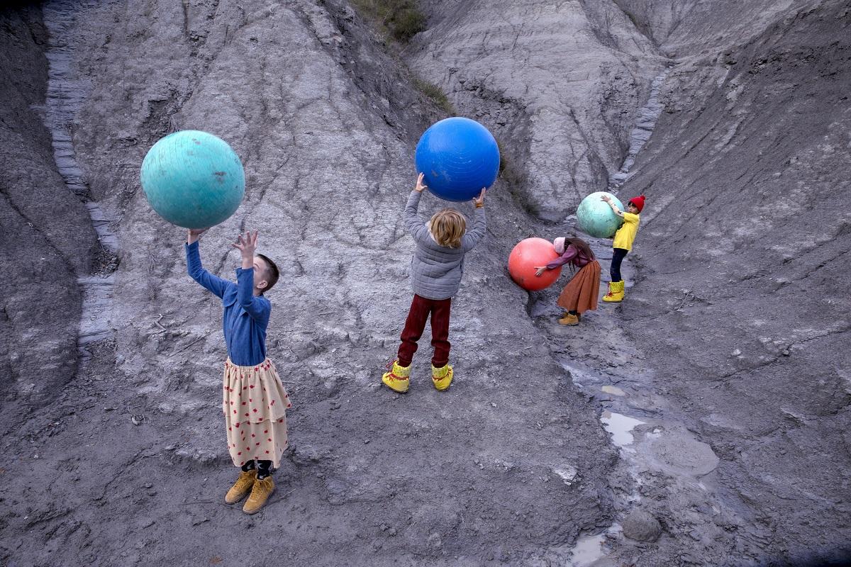 〈ボボ ショーズ〉冬の新作コレクション「WE COSMOS」のアニメーションを公開! MilK会員へプレゼントも。