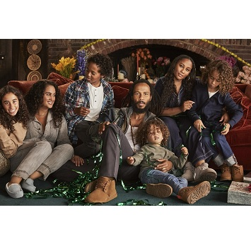 〈UGG®〉クリスマス気分を高める「ホリデーコレクション」登場! ノベルティプレゼントも。