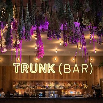 〈TRUNK(HOTEL)〉で館内のアートワークで飾っていたドライフラワーを1日限定で販売
