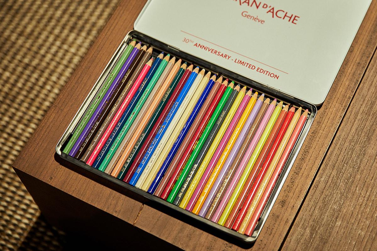 カランダッシュの30カラー色鉛筆。「色の種類がたくさんある色鉛筆があると、お絵描きが楽しくなりますよね」(直子さん)
