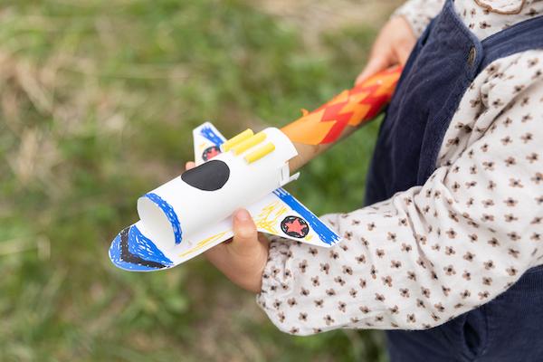 廃材で作れるロケット。作り方はこちら。