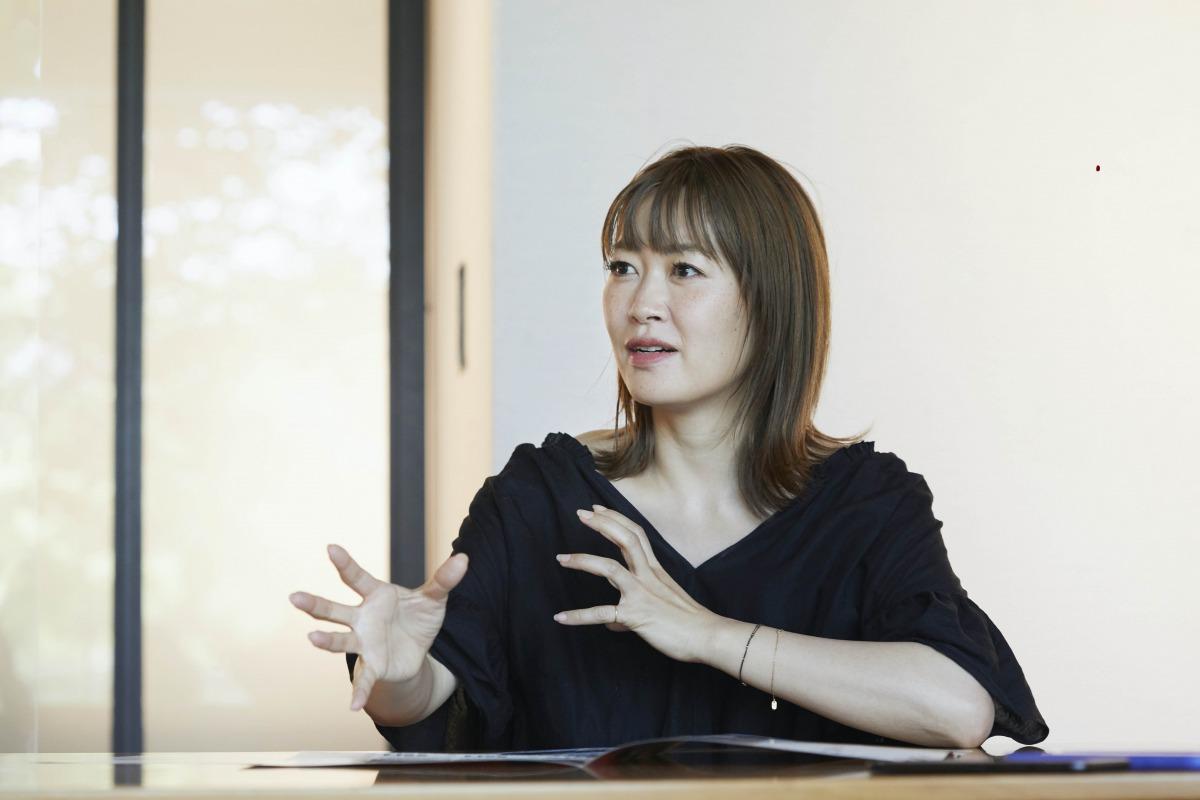 坂本美雨:東京出身。9歳よりNYで育つ。1997年、Ryuichi Sakamoto feat. Sister M名義でデビュー。 現在は音楽に留まらず、作詞、翻訳、俳優、文筆、ナレーションなど、マルチな分野で活躍中。プライベートでは2015年に女の子を出産。