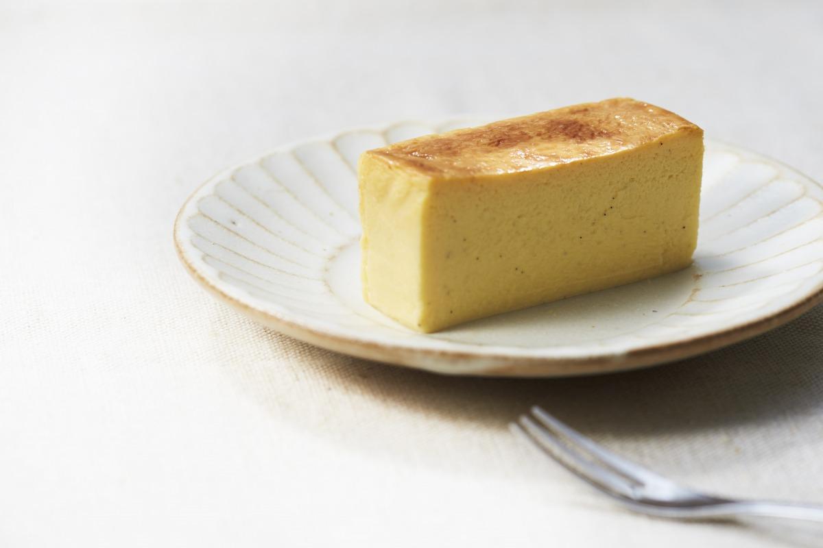 Bee's「生はちみつチーズケーキ」3,300円(税込) 【問い合わせ先】 Bee's メールアドレス:bees.shiga.cake@gmail.com 公式サイト:https://bees-cake-shiga.com/