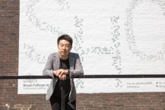 世界が注目するバイオミメティクスデザイナー・亀井潤に聞いた、子供時代、環境問題そして未来のこと