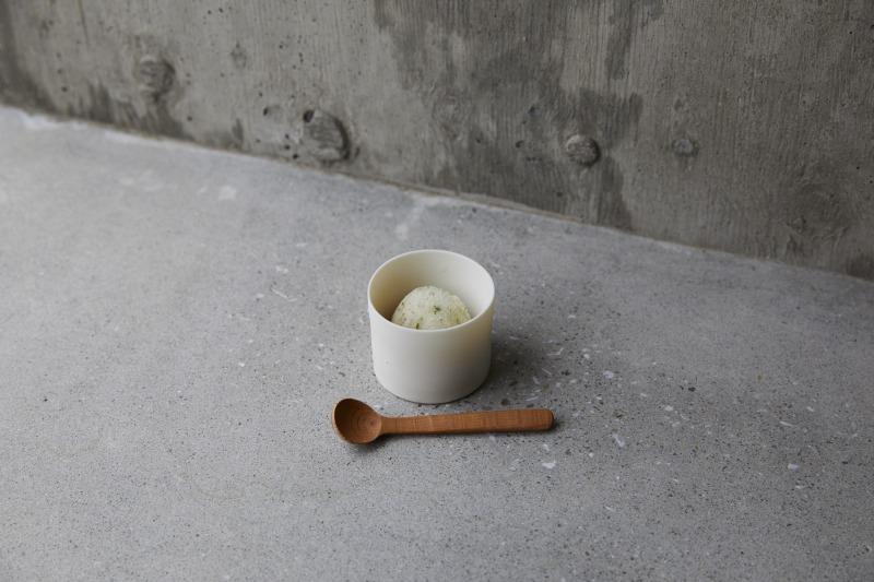 菜園で採れたパセリを使ったグラニテ。口の中に清涼感が広がる。