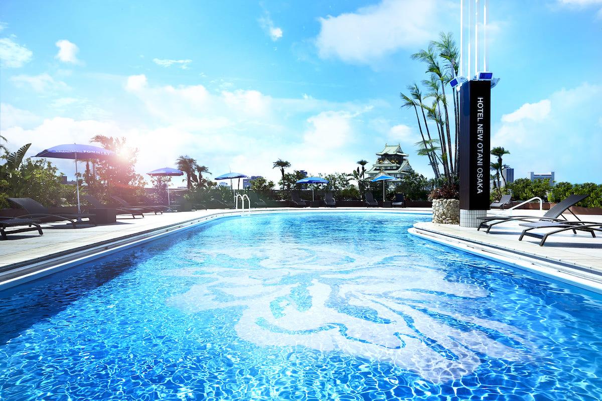今年こそプールへ! 完全予約制で楽しめるホテルニューオータニの屋外プール