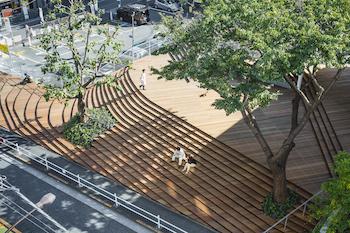 """建築家・隈研吾の大規模個展が開催中。""""人に優しい建築""""を親子で学ぶ機会に"""