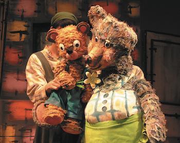 大人気絵本『くまの子ウーフ』の人形劇が楽しめる、「人形劇団プーク」の秋公演