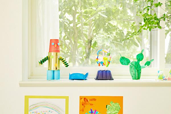 「おうちギャラリー」始めませんか?増える一方の子供の絵や工作のクリエイティブなディスプレイ術