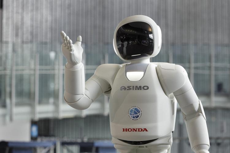 日本科学未来館のアシモ
