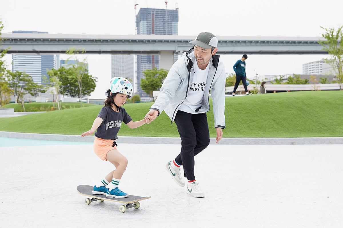 *スケートプラザはスケートボード専用となります。BMXやインラインスケートではご利用頂けません。 *5歳未満の方はご利用いただけません。13歳以下の方は、保護責任者(成人)と一緒にご利用ください。 *初心者、小学生以下の方は、安全上の観点よりヘルメットを原則着用ください。