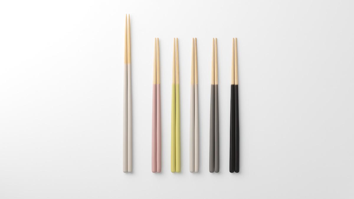カラーは全5色。素材はしなやかで強靭な竹を使っており、家庭用の食洗機の使用もOK。