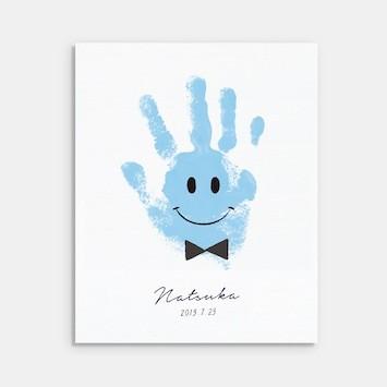 出産や成長の記念に。オンラインで作れる手形アートサービス「うまれた手」