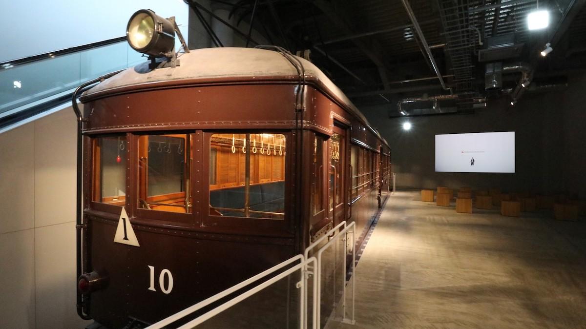 1階にはヒストリーシアターと、ロマンスカー5車種を常設展示するロマンスカーギャラリーが登場。