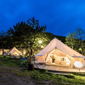 千葉・稲毛海浜公園内にグランピング施設「small planet CAMP & GRILL」が4/22(木)オープン