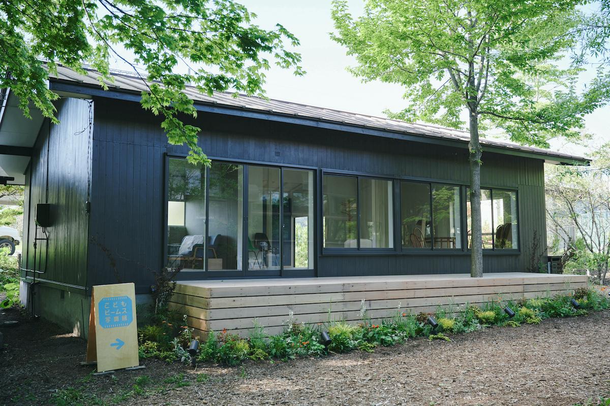 「こどもビームス写真館 軽井沢」がオープン。緑あふれる軽井沢でとっておきの一枚を!