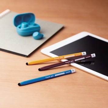 子どもが持ちやすいタブレット用タッチペン。手の大きさに合わせて選べる3種類がラインナップ