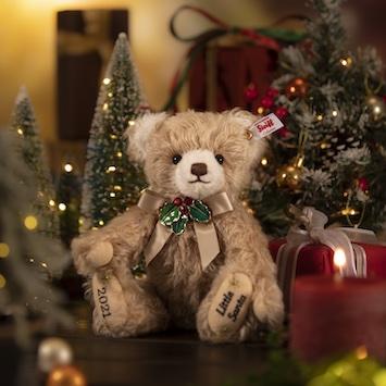 シュタイフのクリスマス限定モデル「リトルサンタ2021」。予約販売がスタート