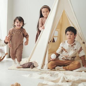 H&M最新キッズウェア「Baby & Kids Exclusive AW2021」。素材やディテールなど、ワンランク上のコレクション
