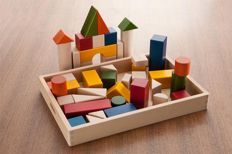 定番だからこそ選び抜きたい。<br /> 新時代を生きる子どものための知育ブロック&積み木