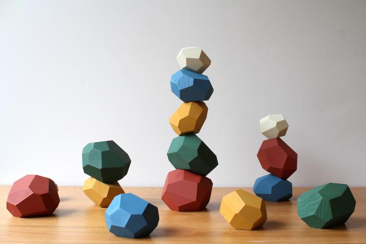 創造力を育むおしゃれな〈積み木〉8選。<br /> つんで、ならべて、くみたてよう。